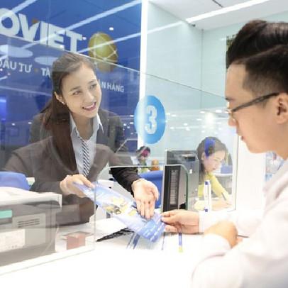 Bảo hiểm Bảo Việt mất ngôi độc tôn