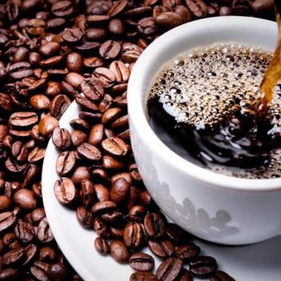 """Cà phê """"biến thành vàng"""" vì cú sốc nguồn cung từ Brazil"""