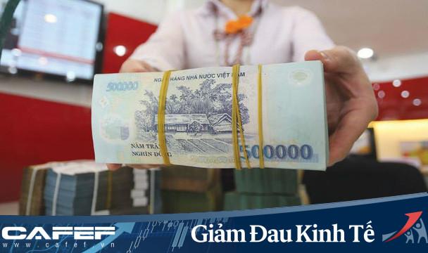 Các ngân hàng liên tục miễn, giảm phí dịch vụ