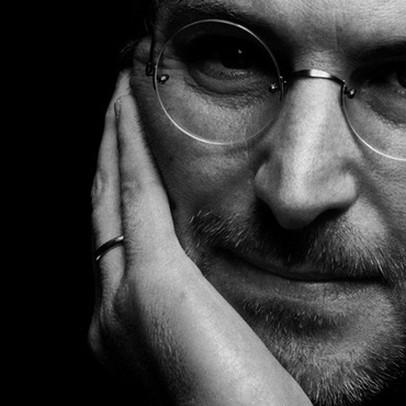 Chưa tốt nghiệp đại học và chẳng viết nổi một dòng code, bí kíp nào đã giúp Steve Jobs tạo nên đế chế công nghệ Apple hàng nghìn tỷ USD?