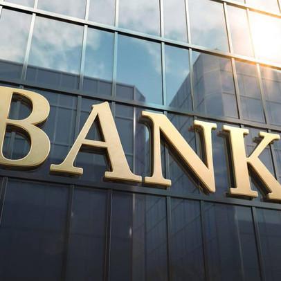 Chuyên gia nói gì về việc ngân hàng đồng loạt lãi cao bất chấp dịch bệnh?