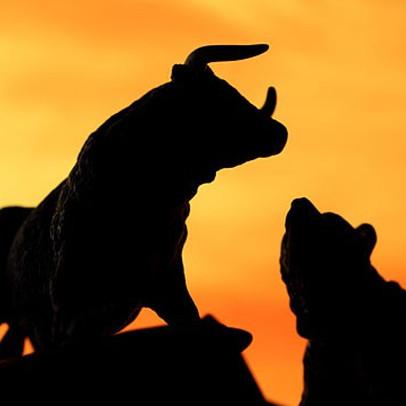 """Cổ phiếu ngân hàng """"dậy sóng"""", VN-Index vượt mốc 910 điểm"""