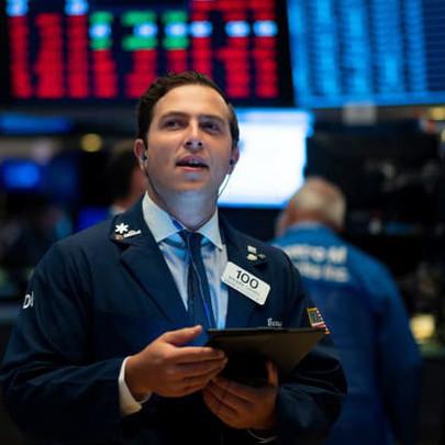Cổ phiếu nhóm công nghệ bứt phá, Phố Wall hồi phục và tiếp tục chạm đỉnh mới