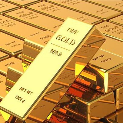 """Giá vàng bất ngờ """"bốc hơi"""" hơn 70 USD trong đêm qua, bạc """"bay"""" mất gần 10%"""