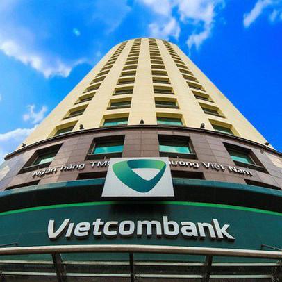 Lộ diện 2 tập đoàn bảo hiểm tranh giành làm đối tác bancassurance với Vietcombank, có thể trả trước 400 triệu USD