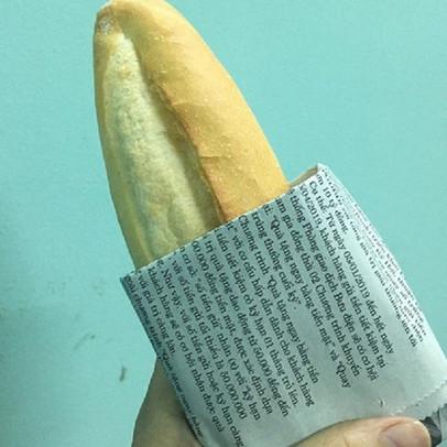 Một cơ sở bị xử phạt 27,5 triệu đồng sau khi bị tố bán bánh mì mốc cho khách