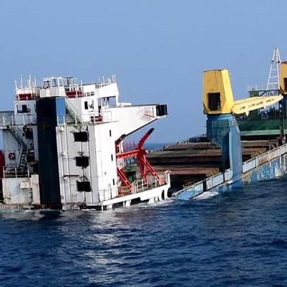 Mỹ đánh chìm tàu khổng lồ nuôi san hô và cá