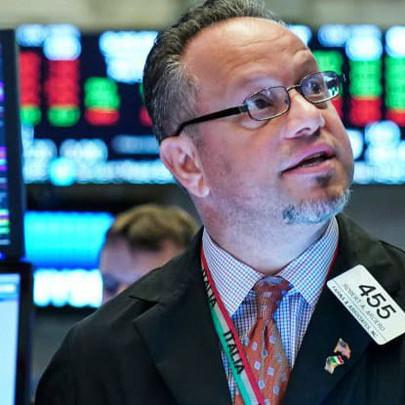 Mỹ và Trung Quốc sẽ tái đàm phán vào tháng tới, Dow Jones bứt phá gần 400 điểm