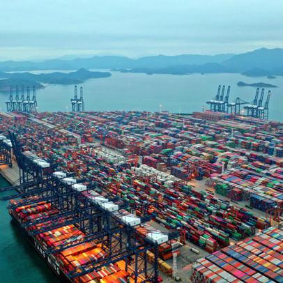 Tạp chí Hoa Kỳ: Vì sao hậu quả đợt bùng dịch tại Việt Nam và các nước Đông Nam Á khác lại tệ hơn sự cố kênh đào Suez?