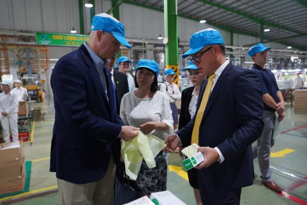 Thống đốc bang Nebraska mời Nhựa An Phát Xanh đầu tư vào Hoa Kỳ - Ảnh 3.