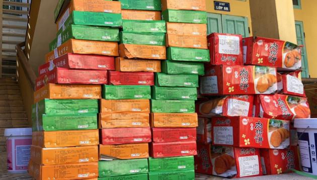 Thu giữ hơn 11.000 bánh trung thu không rõ nguồn gốc tại Hà Nội - Ảnh 1.