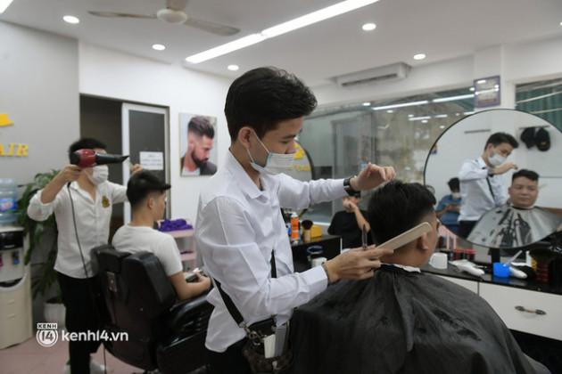 Toàn bộ lộ trình nới lỏng giãn cách xã hội của Hà Nội