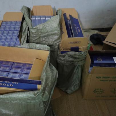 Tóm gọn 15.000 bao 3 số có dấu hiệu nhập lậu tại Hà Nội