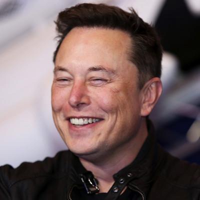 Elon Musk giành lại ngôi giàu nhất thế giới với tài sản 200 tỷ USD