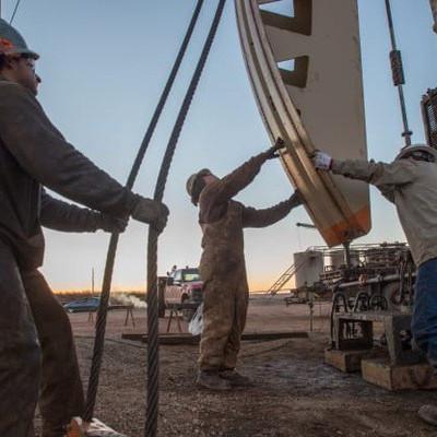 Giá dầu lên cao nhất gần 3 tháng