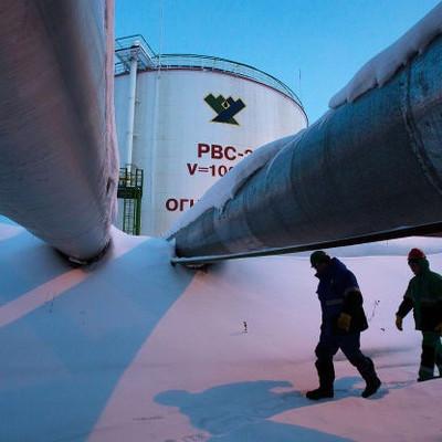 """Giá dầu tăng tuần thứ hai liên tục nhờ kỳ vọng """"chốt"""" thỏa thuận thương mại Mỹ - Trung"""