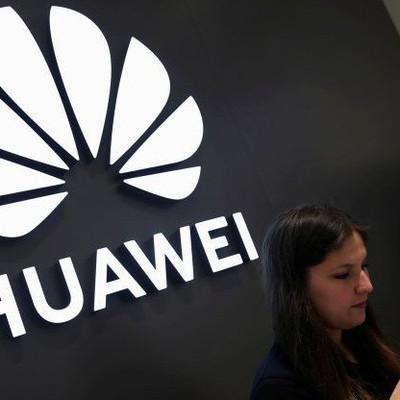 Huawei sa thải hàng trăm nhân viên ở Mỹ