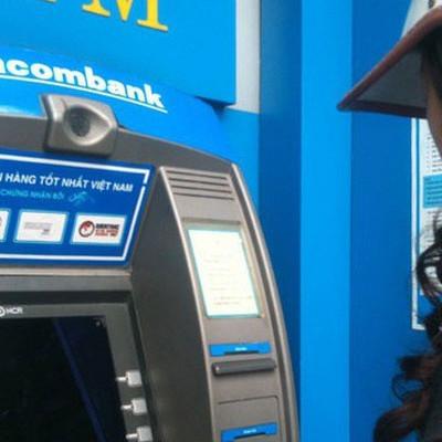 Lợi nhuận Sacombank sụt giảm, tỷ lệ nợ xấu tăng lên 2,14%