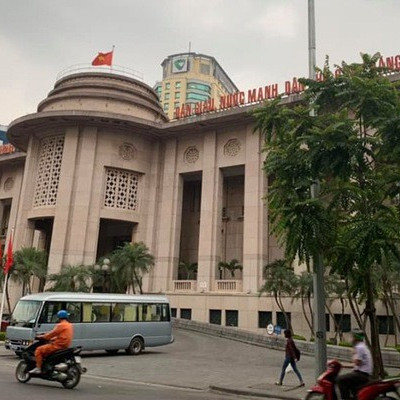 Ngân hàng Nhà nước hạ trần cả lãi suất cho vay và tiền gửi