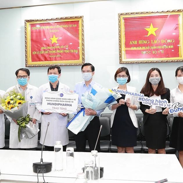 70 bệnh viện được tài trợ các sản phẩm phòng chống Covid-19