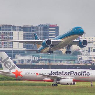 Các hãng hàng không bắt đầu lo mất thị phần