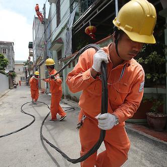 Chính phủ: 'Việc tăng giá điện được thực hiện đúng quy định'