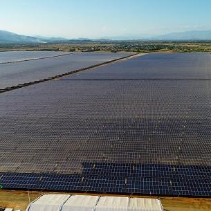 Nhà máy điện mặt trời 330MW của liên doanh BIM - AC Renewables tại huyện Thuận Nam, tỉnh Ninh Thuận.