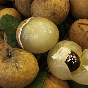 Hơn 200.000 đồng một kg nhãn có cùi xếp lớp như bắp cải
