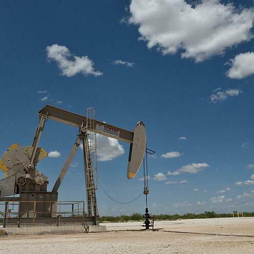 Giá dầu có thể giảm 30% nếu OPEC không giải cứu