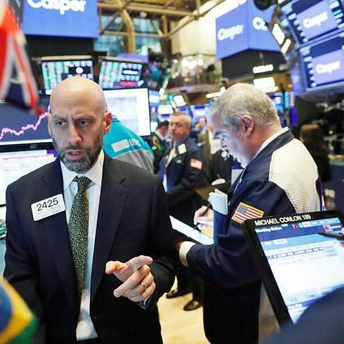 Wall Street quay đầu giảm vì lo ngại dịch bệnh